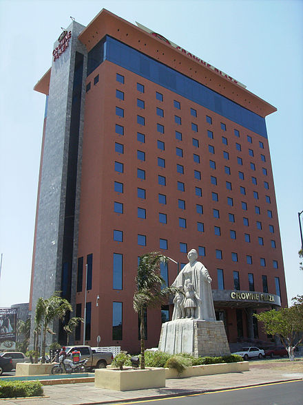 The Monument to mothers in front of the Best Western Plus Nuevo Laredo Hotel. Monumento La Madre Royal Crowne Plaza.jpg