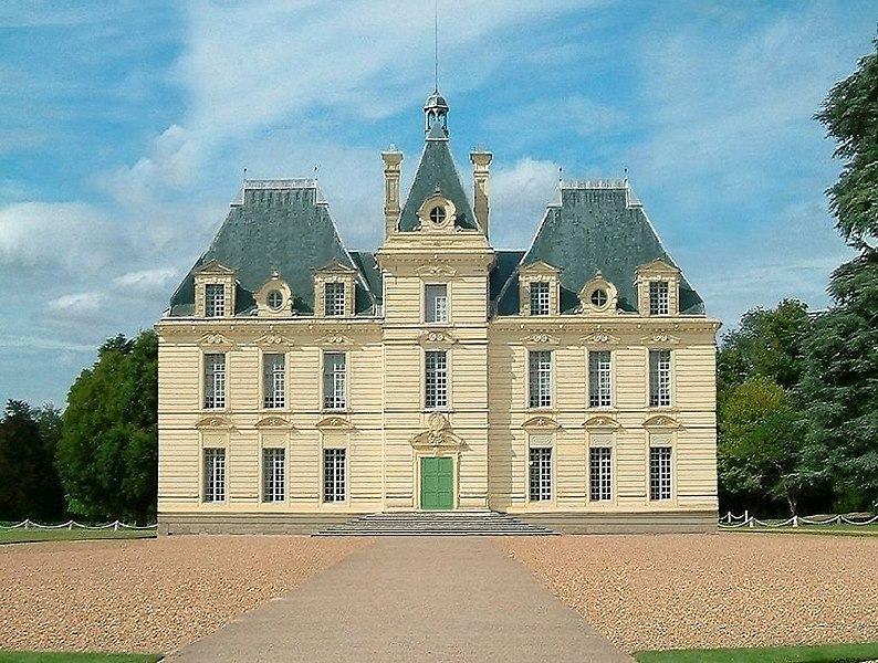 Artistic impression of fictional building Marlinspike Hall/Chateau de Moulinsart created using Adobe Photoshop to delete the side wings from a photograph of Chateau De Cheverny