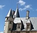 Nevers, le Palais Ducal (détail du toit).jpg