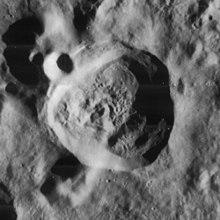 尼克尔森陨石坑
