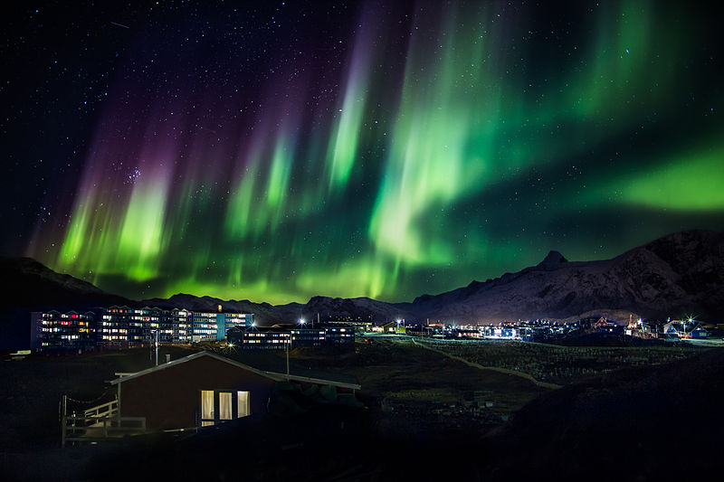 File:Northern lights in Greenland (14990374447).jpg