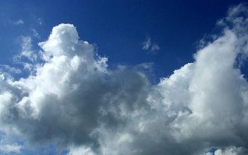 Le nuvole sono formate da goccioline d'acqua, da aghetti di ghiaccio e da vapor d'acqua.