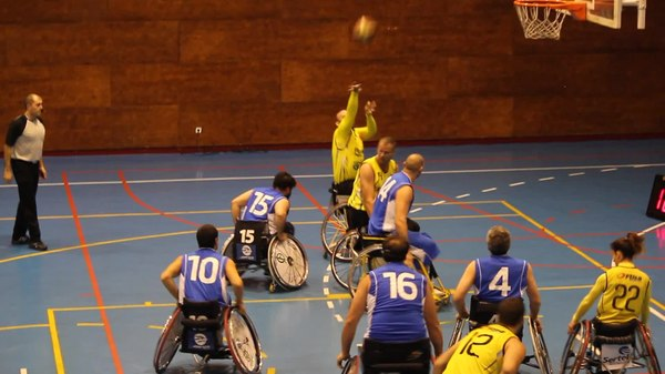 Archivo:ONCE v Burgos, Madrid, December 14, 2013 Video 03.ogv