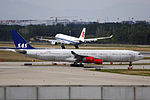 OY-KBC - SAS Scandinavian Airlines - Airbus A340-313 - PEK (15117173202).jpg