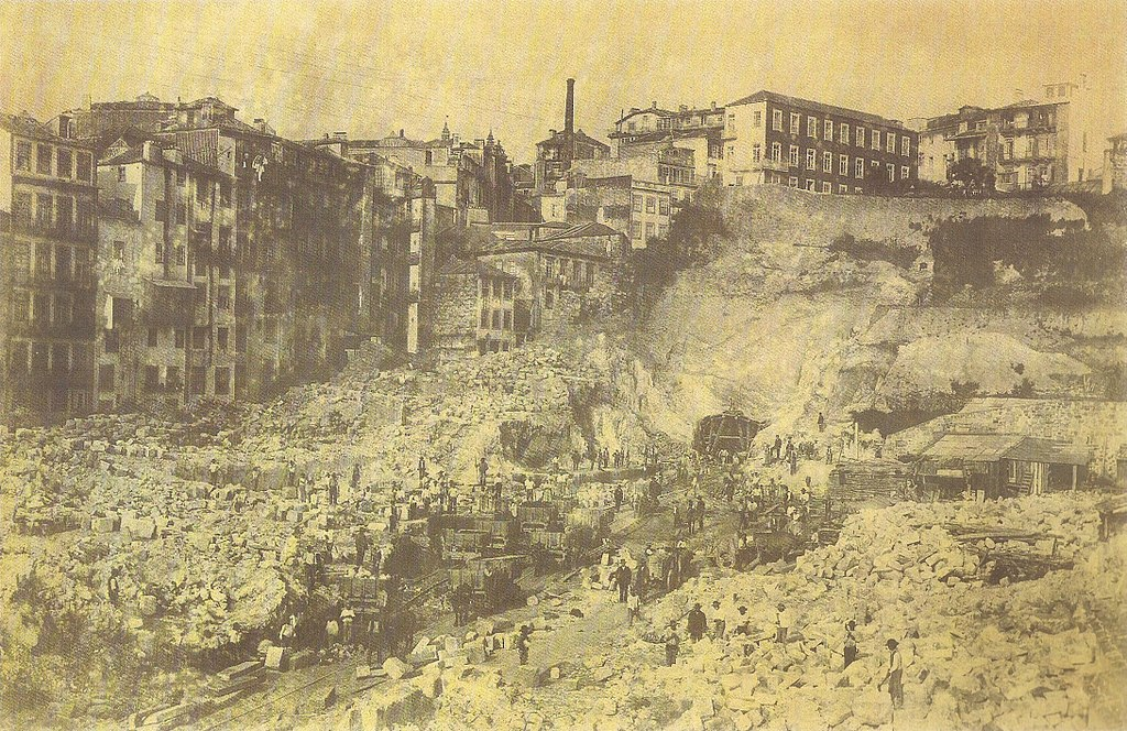 Construction de la gare de Sao Bento à Porto vers 1890 - Photo de Domingos Alvão
