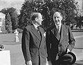 Ontvangst beediging nieuwe ministers door koningin Juliana. Bordesscène Paleis S, Bestanddeelnr 905-2873.jpg