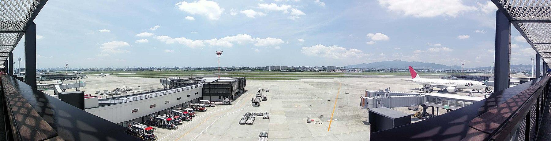 Osaka airport , 大阪(伊丹)空港 - panoramio.jpg