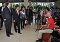 PRESIDENTE OLLANTA HUMALA FUE RECIBIDO CON MÚSICA PERUANA A SU ARRIBO A HAWAI PARA PARTICIPAR EN LA CUMBRE APEC 2011 (6335134908).jpg