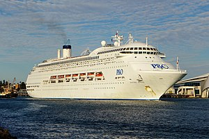 Pacific Jewel, Fremantle, 2015 (01).JPG
