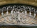 Palazzo medici riccardi, stemma riccardi su cancellata.JPG