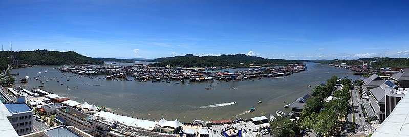 File:Panorama of Brunei Regatta.jpg