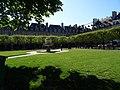 Paris, Place des Vosges (14072918672).jpg