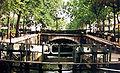 Paris canal saint-martin ecluse02.jpg