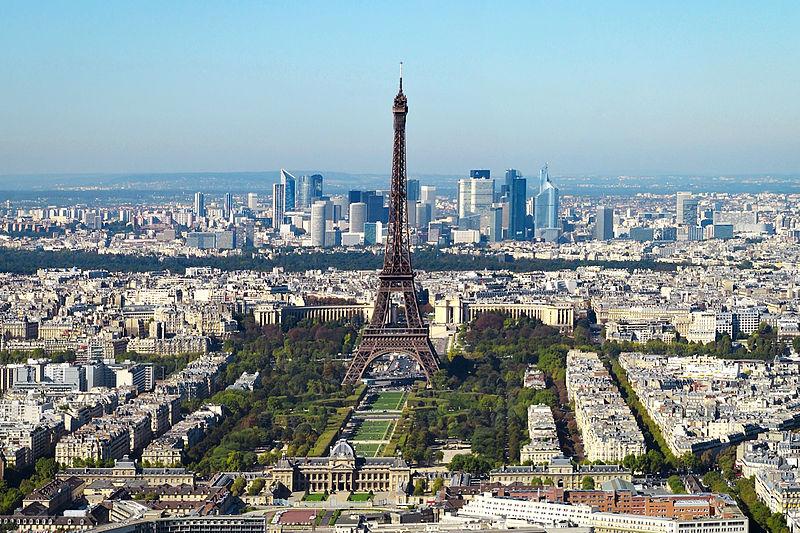 Viajar sozinho na Europa para Paris