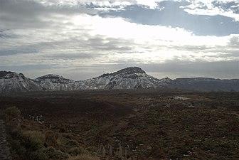 Parque Nacional del Teide en épocas nevadas.jpg
