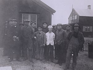 Isfjord Radio - The crew which built the station in 1933