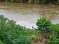 Pescadores no Rio Piracicaba, Coronel Fabriciano MG.JPG