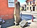 Pierre dressée, près du musée local.jpg