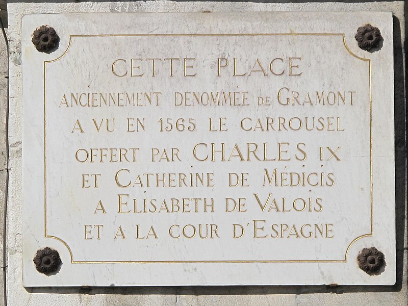 Plaque on a wall of the town hall of Bayonne (Pyrénéees-Atlantiques, France). The text is : On this square (square of the town hall, formerly named square de Gramont), took place in 1565 the carousel offered by king Charles IX of France and his mother Caterina di Medici to Elisabeth de Valois and to the royal court of Spain.