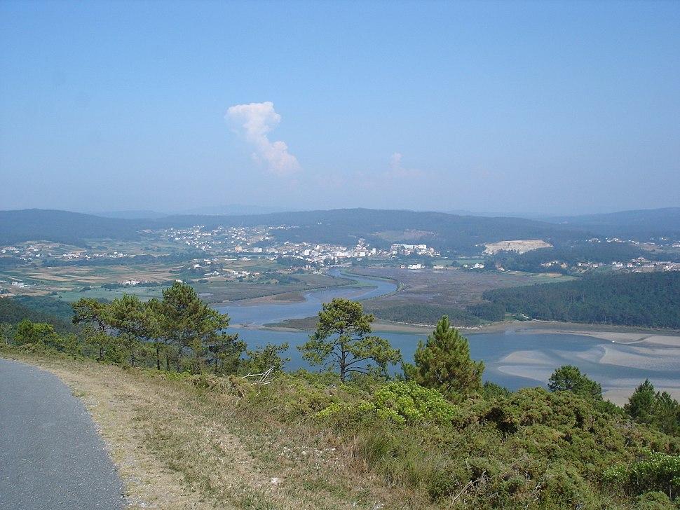 Ponteceso e Rio Anllons dende o Monte Branco
