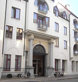 Poort Bank Dujardin - Garenmarkt - Brugge.jpg