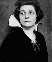 Portrait de Lou Albert-Lasard vers 1916 - Photo Hans Holdt.jpg