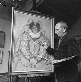 Foto van Poortenaar werkend aan een portret van Else Mauhs