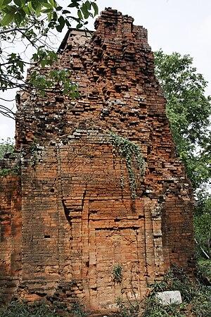 Ta Phraya National Park - Prasat Khao Lon ruins