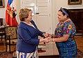 Presidenta Bachelet se reunió con Rigoberta Menchú, Premio Nobel de la Paz (15586926625).jpg