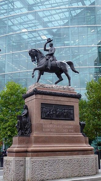 Holborn Circus - Prince Albert statue