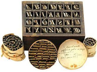 Punzone tipografia wikipedia for Disegni mobili