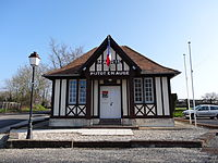 Putot-en-Auge, mairie.JPG