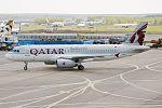 Qatar Airways, A7-AHT, Airbus A320-232 (26910007282).jpg