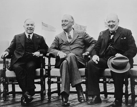 Mackenzie King, Franklin D. Roosevelt and Winston Churchill at the 1943 Quebec Conference. Quebec conference 1943.png