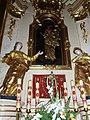 Raciborowice kościół, ołtarz główny w stylu barokowym.jpg
