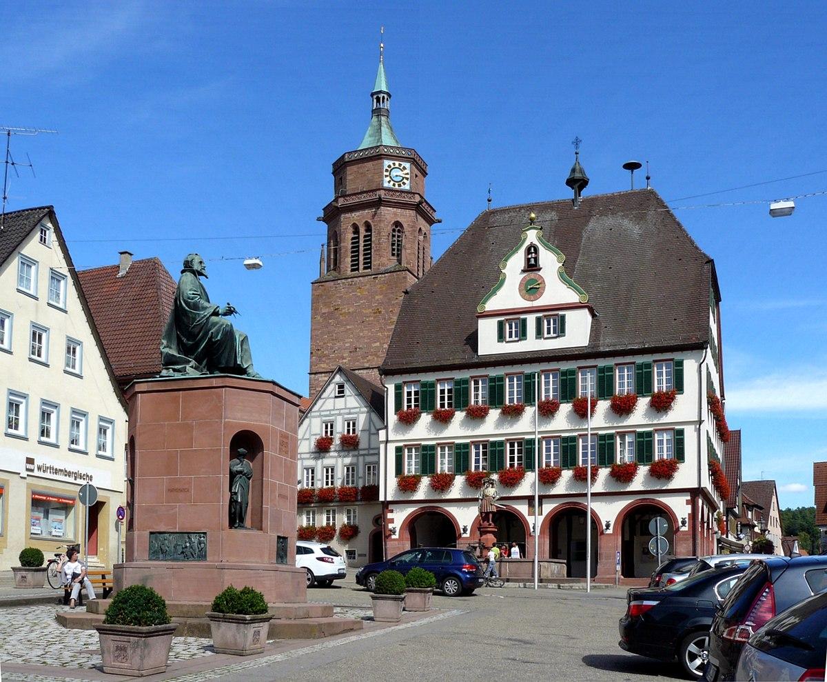 Datei:Rathaus Und Keplerdenkmal Weil Der Stadt.jpg