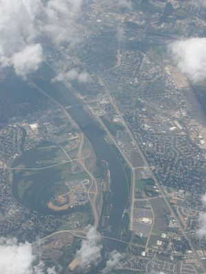 Shreveport–Bossier City metropolitan area - The Red River between Shreveport and Bossier City
