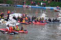 Rescue Divers Finding Dead Passenger in Crashed B-22816 20150204b.jpg
