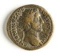 Romerskt bronsmynt med Antoninus Pius, 152-53 - Skoklosters slott - 110746.tif