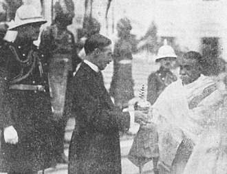 Maha Bodhi Society - Lawrence Dundas, Lord Ronaldshay and Governor of Bengal (1917-22) presents the Buddha relic which had been discovered 1892 in Battiporolu to Ashutosh Mukherjee, then Vice Chancellor of Calucatta University, acting Chief Justice of the Calcutta High Court and President of the Mahabodhi Society, Calcutta to be enshrined in the newly opened Dharmarajika Chetiya Vihara on College Square. Morning of 26th Nov. 1920 on the steps of Government House, Calcutta.