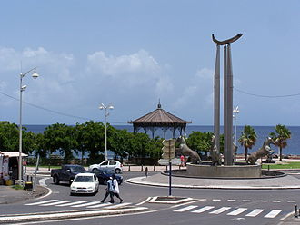 Basse-Terre - The central Roundabout in Basse-Terre, at the intersection of boulevard du Général-de-Gaulle and boulevard du Gouverneur-Éboué