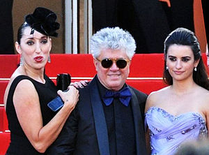 Broken Embraces - Pedro Almodóvar with actresses Rossy de Palma and Penélope Cruz presenting the film at the 2009 Cannes Film Festival.