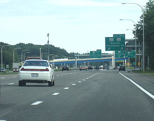 Rhode Island Route 4 - Route 4 southbound at Exit 7 in the town of East Greenwich