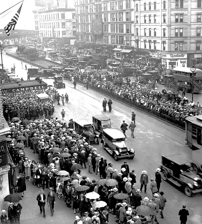 Rudolph Valentino funeral 1926