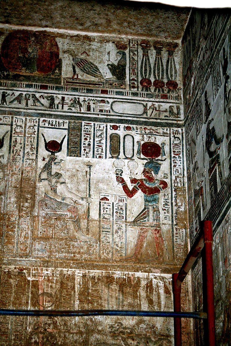 Hathor 800px-SFEC_EGYPT_DENDERA_2006-001