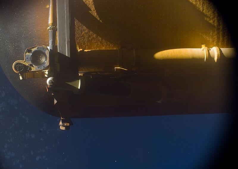 File:STS-133 External Tank is jettisoned.jpg