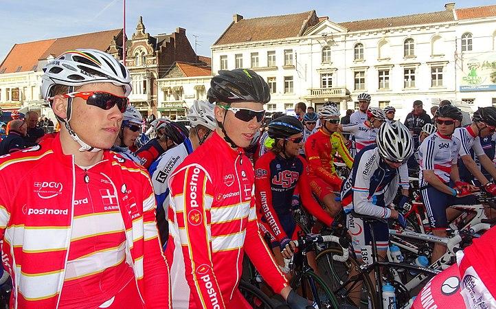 Saint-Amand-les-Eaux - Paris-Roubaix juniors, 12 avril 2015, départ (A62).JPG