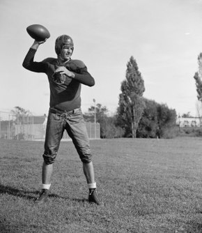 4a89fa25 Baugh in September 1937, shortly after being drafted by the Washington  Redskins.