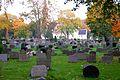 Sandar Kirke, kirkegården.jpg