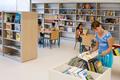 Sanduzelaiko Bibliotekako haur eremua - Zona infantil de la Biblioteca de San Jorge.png